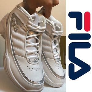 Fila Shoes - F I L A 🎒Fila white and silver Sneakers